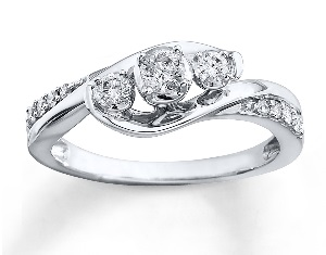 What Does The Average Wedding Ring Weigh? Diamond Ring Costs